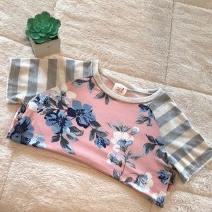 Tops - Floral short sleeve top - EUC LIKE NEW